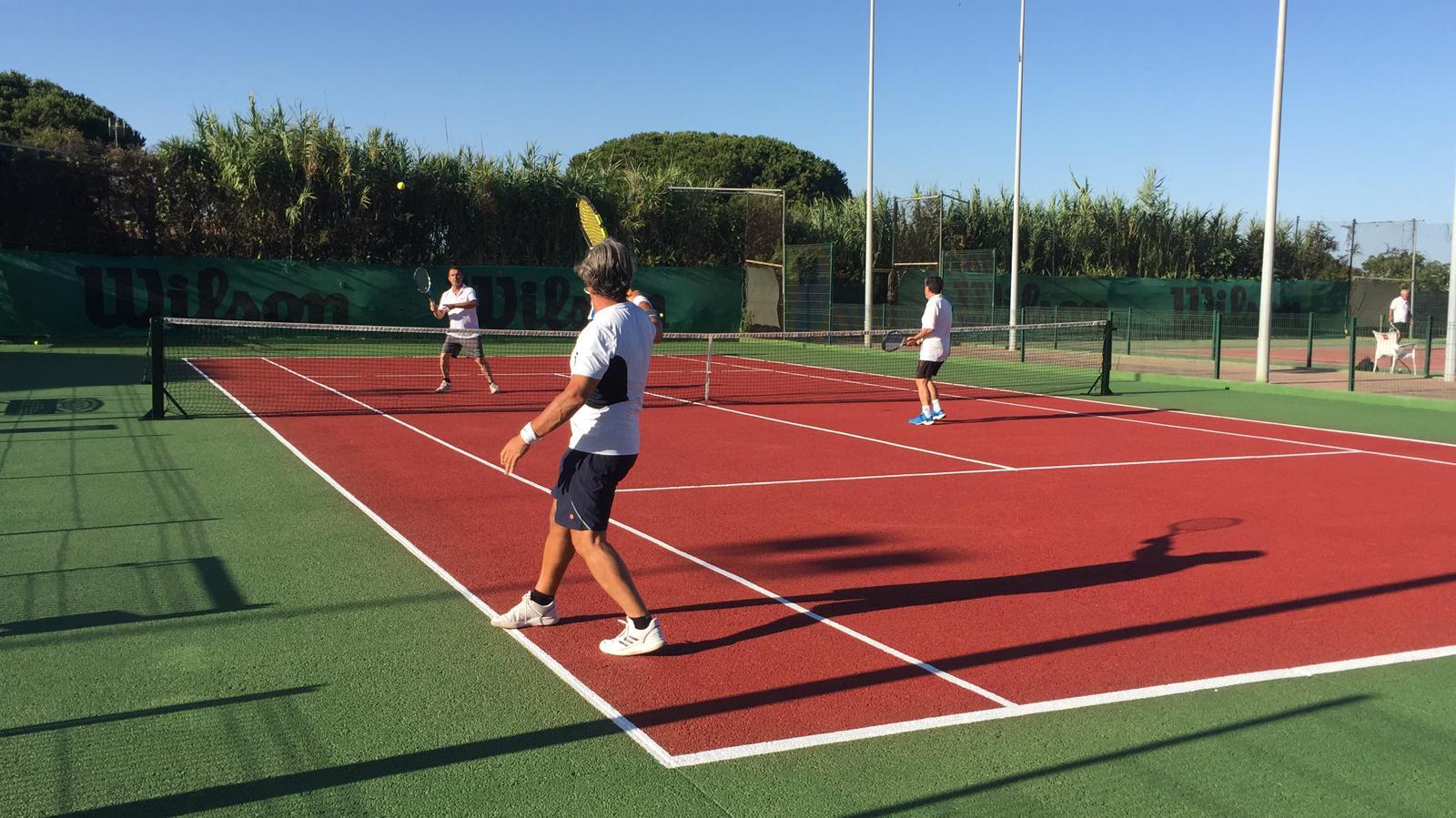 Escuela-de-tenis-y-padel-Club-La-Barrosa Chiclana de la Frontera, Novo Sancti Petri Cádiz.